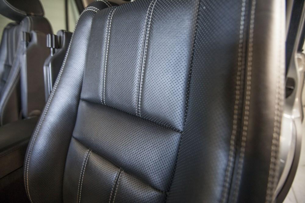 réparation cuirs interieurs voiture