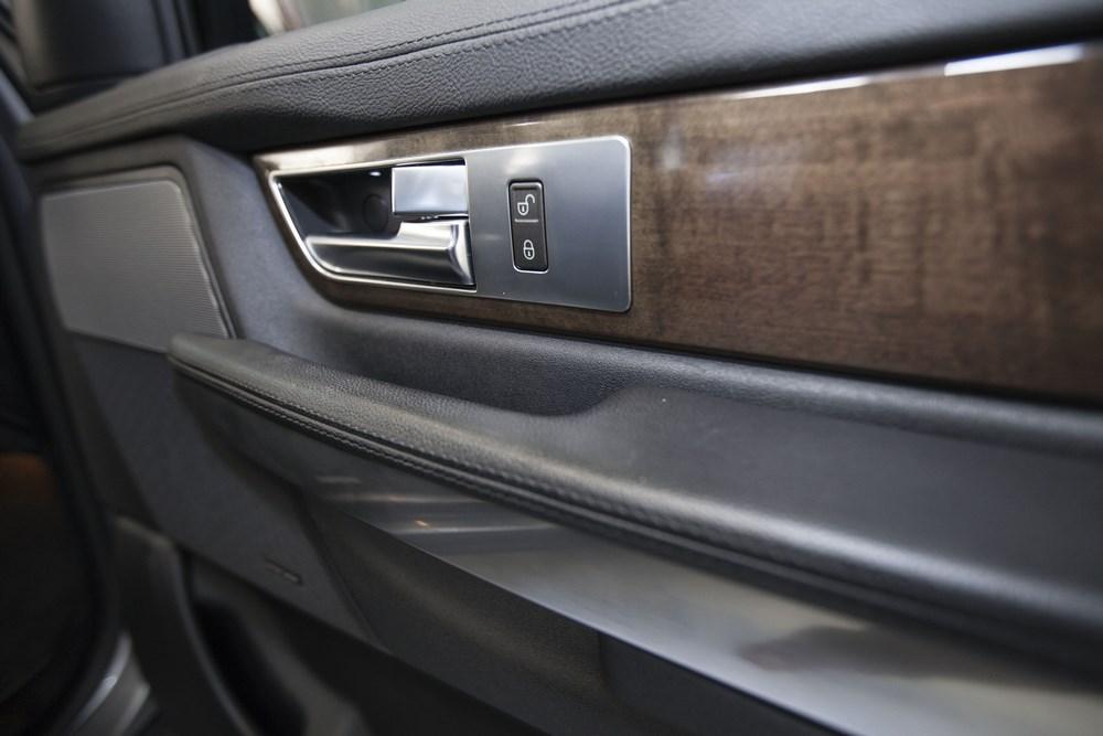 réparation garnitures voiture, plastiques bois et cuir