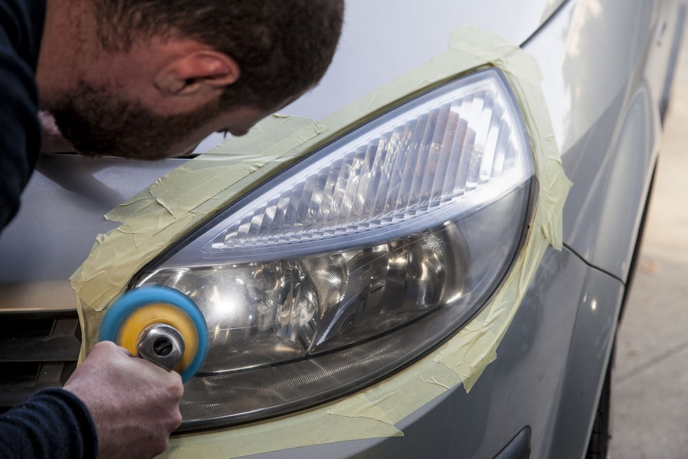 rénovation optique phare voiture