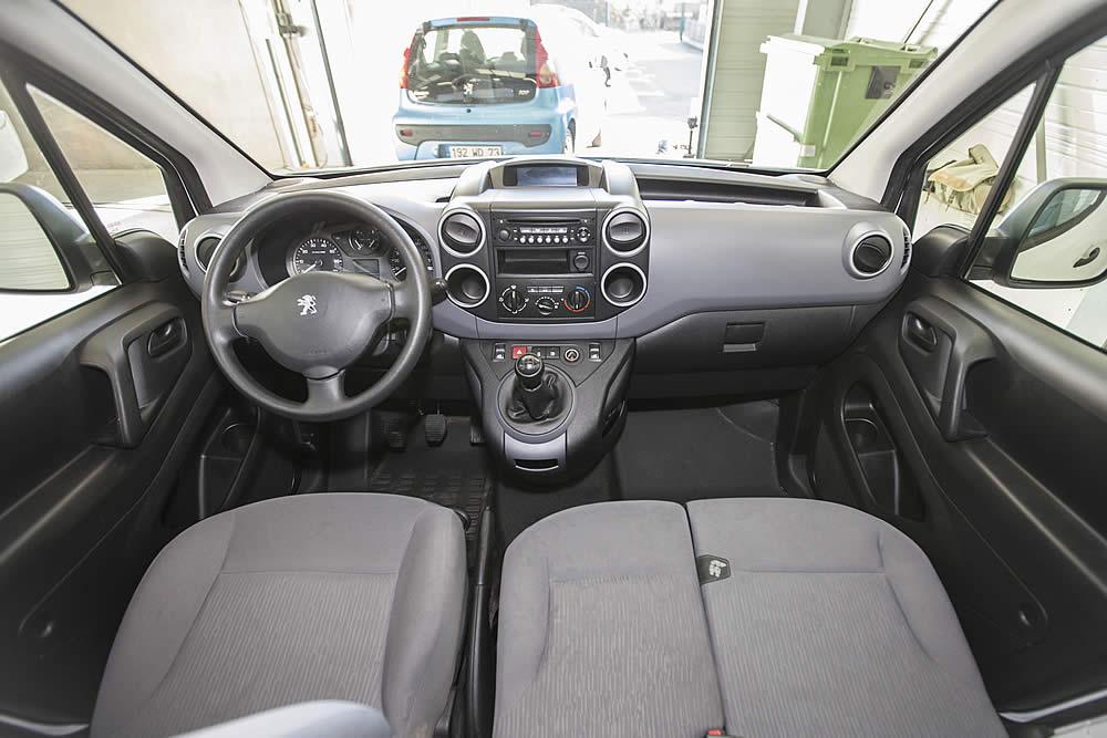 Intérieur voiture habitacle